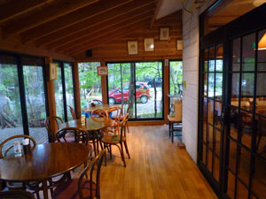 軽井沢 天然酵母パンと野菜料理バイキングのお店 コクーンティーガーデン